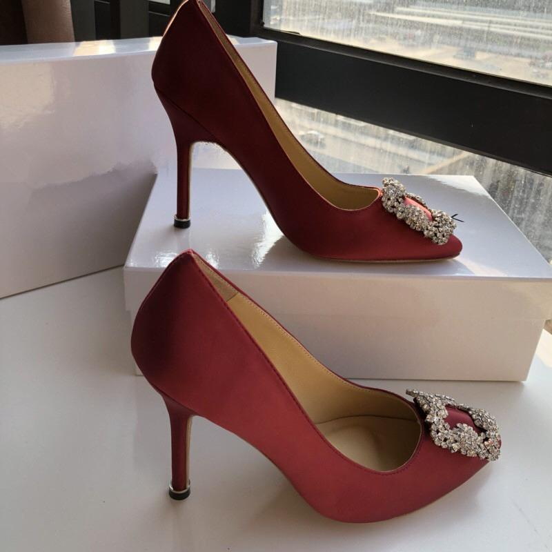 2020 yeni moda lüks tasarımcı bayan ayakkabı tabanı yüksek topuklu deri Sivri Toes kırmızı elbise ayakkabı yc1903138410 # pompaları