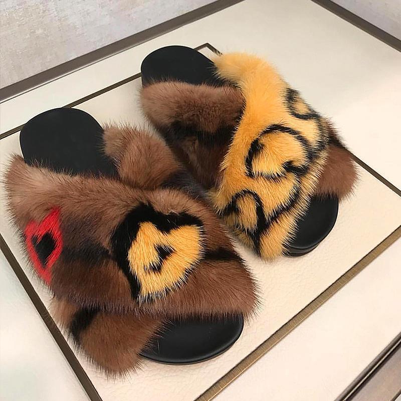 Горячие продажи-2019 Знаменитости Fur Тапочки Осень Мода Открытый Мулы Leopard норковый Слайды
