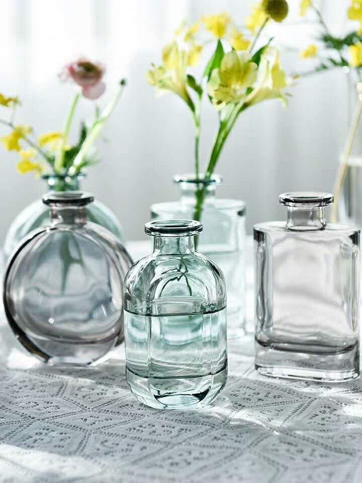 الإبداعية INS غرار الرجعية شبكة بسيطة الأحمر النقش رفع المياه الزجاج الشفاف إناء صغير وغرفة معيشة تنسيق الزهور والديكور