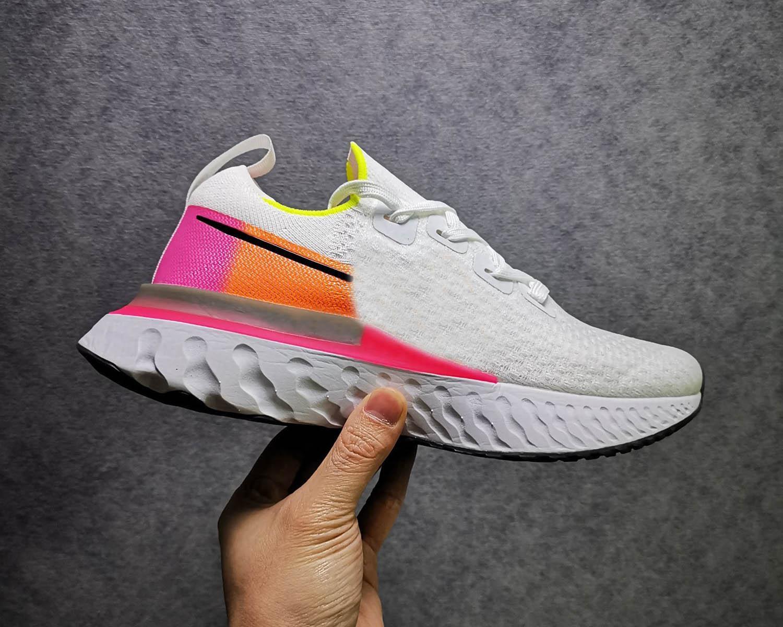 2020 02 épico Reagir Infinito Run homens mulheres tênis tricô de malha esportes respirável Athletic designer de tênis