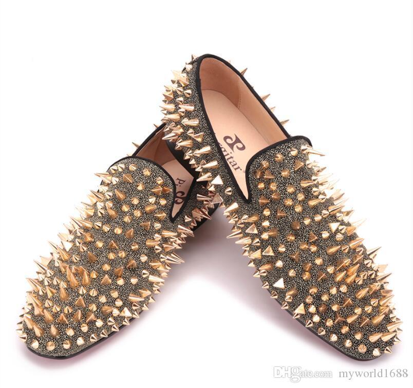 Четыре цвета ручной работы заклепки обувь мода вечеринка выпускного вечера мужские круглые пальцы обувь для вождения красный низ плюс размер кожаные туфли