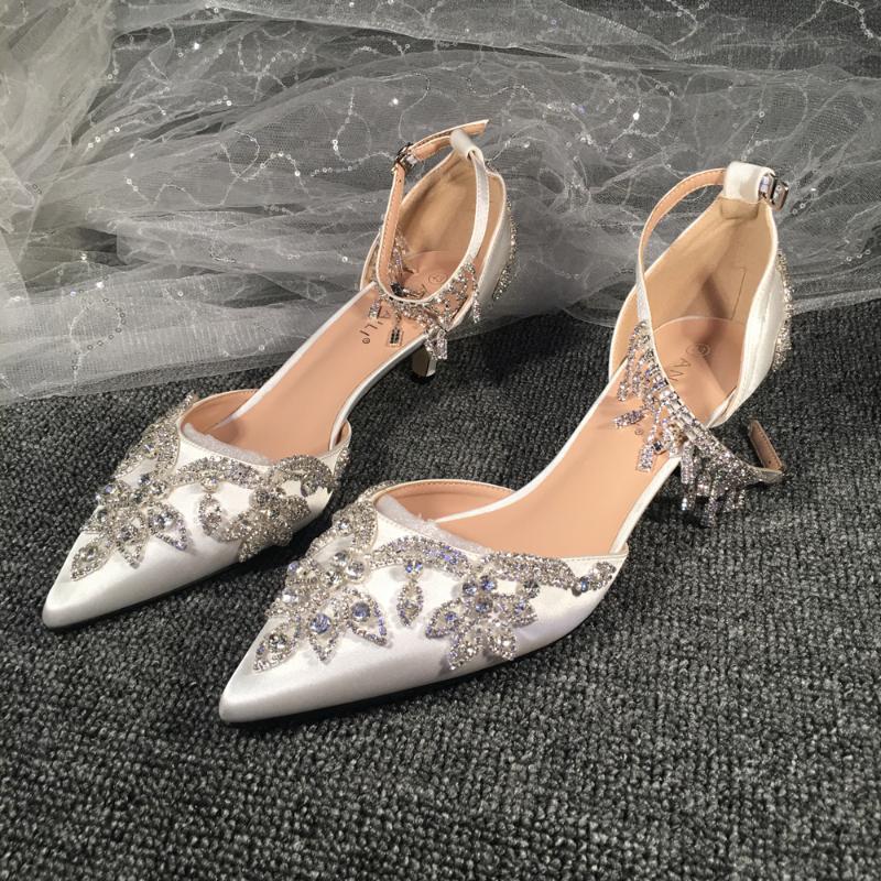 Boda sandalias de los zapatos de raso blanco de Bling del brillo de los cristales de piedra brillante del Rhinestone de la borla de la nueva diseños hechos a mano 3cm 5cm tacos más bajos