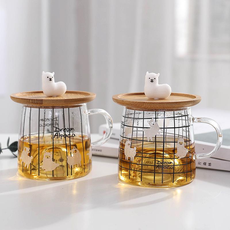 Taza de café de vidrio de alpaca con linda cubierta de bambú de alpaca 3D Borosilicato Té de agua Taza de leche Regalo para mujeres Chica 300 ml