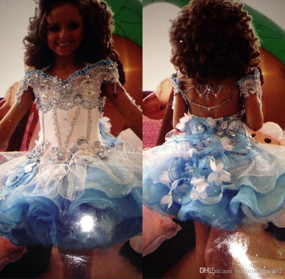 Güzel Organze Mini Glitz Girls' Yarışması Elbise Off Omuz Boncuklu Rhinestones Cupcake Mavi Beyaz Küçük Çiçek Kız Elbise
