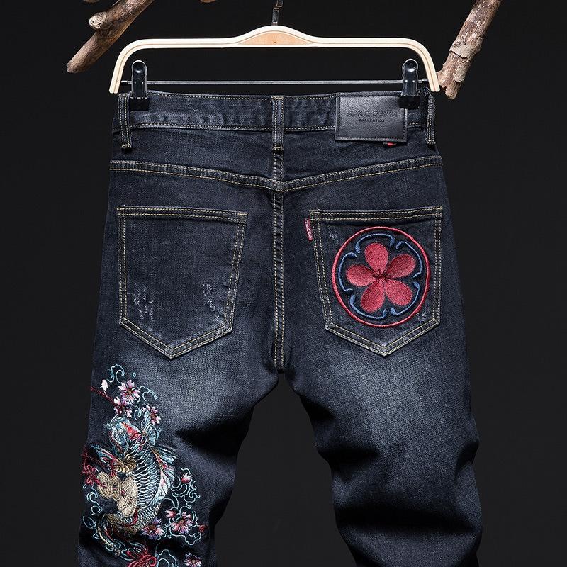 أزياء العلامة التجارية سليم اللباس التقليدي النمط الصيني الكارب الرجال مطرزة مطرزة الجينز الضيقة والسراويل الجينز السراويل الرجال
