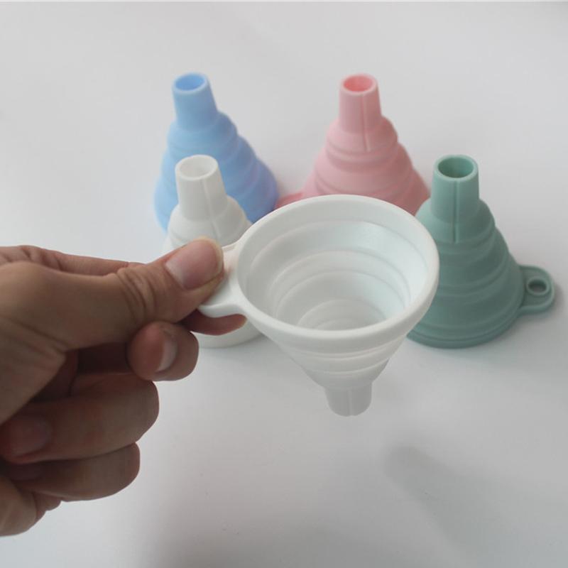 Mini dobrável Funil silicone dobrável funil dobrável Funis Portable Seja Ferramentas Hung Household líquido Distribuição de cozinha DBC BH3575