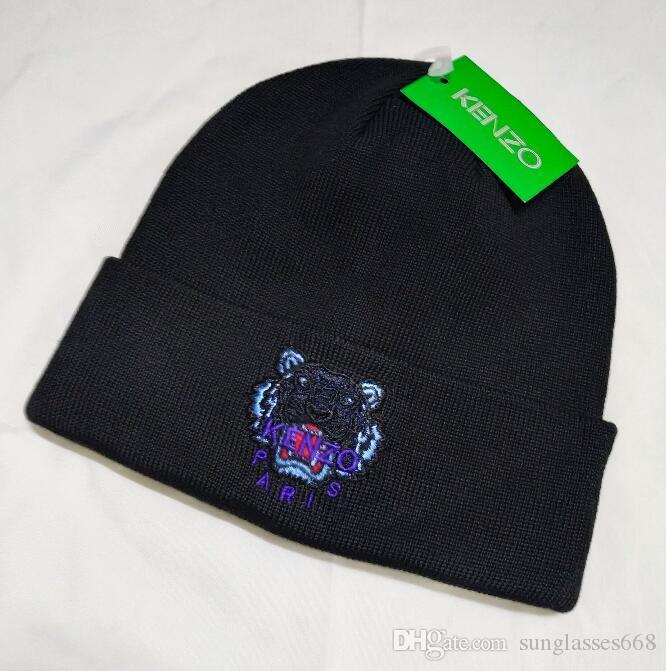 Erkekler kadınların kış bere erkekler şapka gündelik kapaklar erkek spor siyah gri beyaz sarı yüksekliği kaliteli kafatası kapaklar kap şapka örme A5323