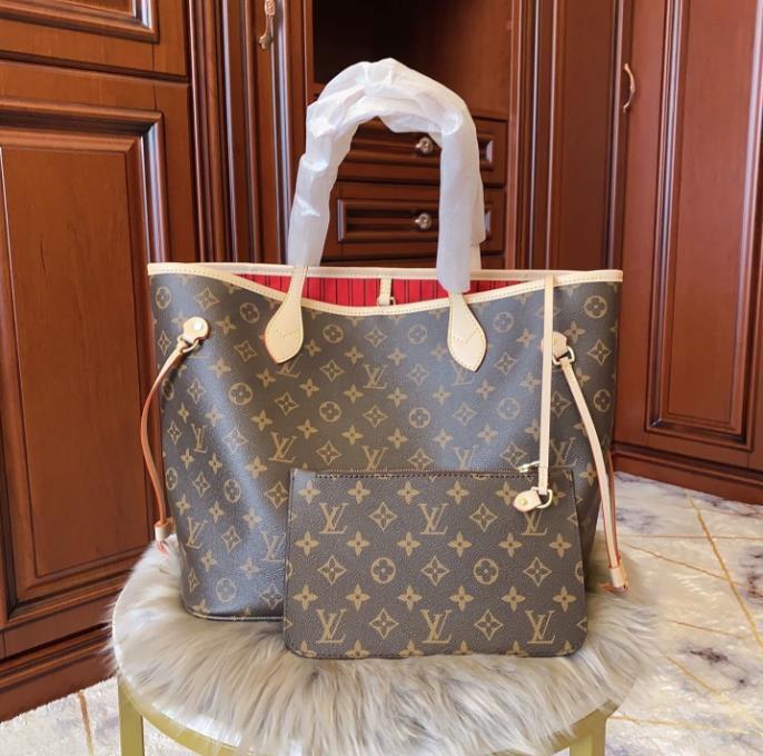 2020 nouvelles taille d'arrivée Sacs Marque poitrine Sac de haute qualité Sacs d'épaule luxe de loisirs Fanny Pack pour Femmes Outdoor Sac de taille Paquet B104198D