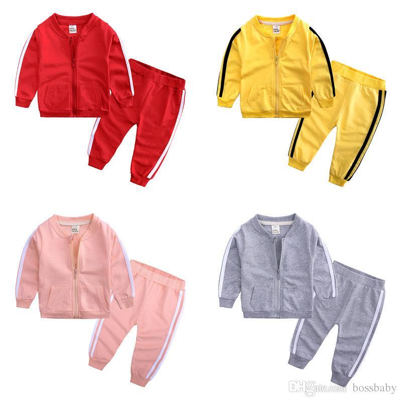 Baby Boy Roupas Sólidos Striped Esporte Bolsos Casual Zipper Conjuntos Brasão Calças duas peças Crianças Casual Roupa para meninas Roupa do bebê 3-24M 07