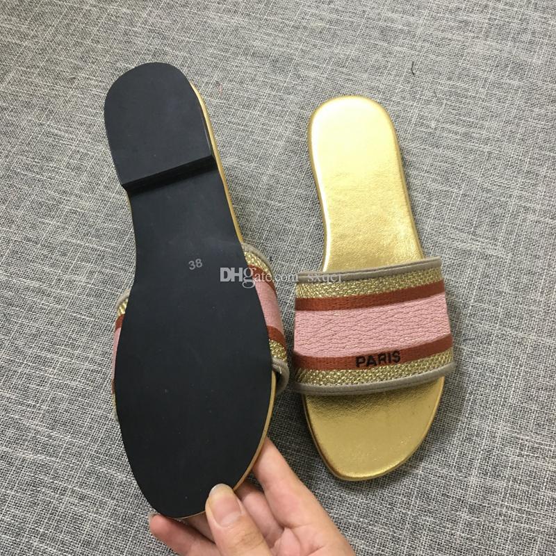 Nova Moda Designer De Luxo Mulheres Sapatos Impresso Não-slip Designer Mulheres Chinelos Chinelos de Banho Interior 6 Cores Tamanho 35-41