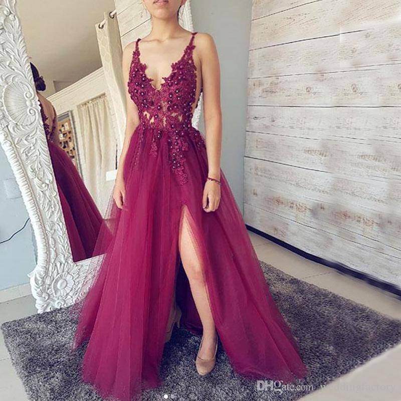 Sexy Illusion Prom Dresses Tiefer V-Ausschnitt Spaghetti-Trägern Perlen Spitze Appliques Backless Weiche Tüll Bodenlangen Abend Party Kleider