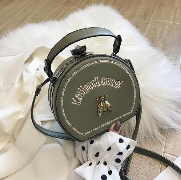 Nouveau style femmes Sac mode broderie abeille Sacs à bandoulière petit sac à main avec lettre Petit ronde Crossbody