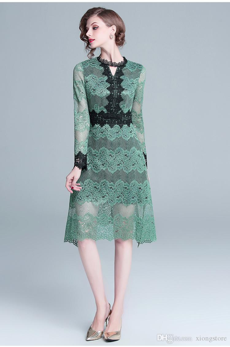 2019 линия кружева новое поступление высокое качество роскошный дизайн взлетно-посадочной полосы женщин зеленый полый кружевном платье с длинным рукавом лоскутное колен платья