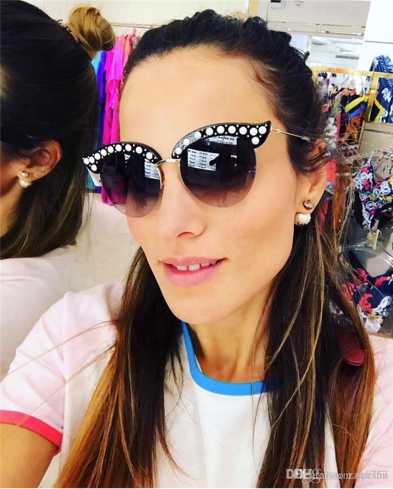 Bestseller Dame Sonnenbrillen Halbrahmen charmante Cat Eye Rahmen mit Perlen und Nieten beliebten Modedesigner Brillen hochwertige Brille