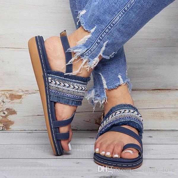 Богемия кисточкой плоские сандалии оптом новое поступление удобная летняя пляжная пряжка с кисточкой большого размера сандалии