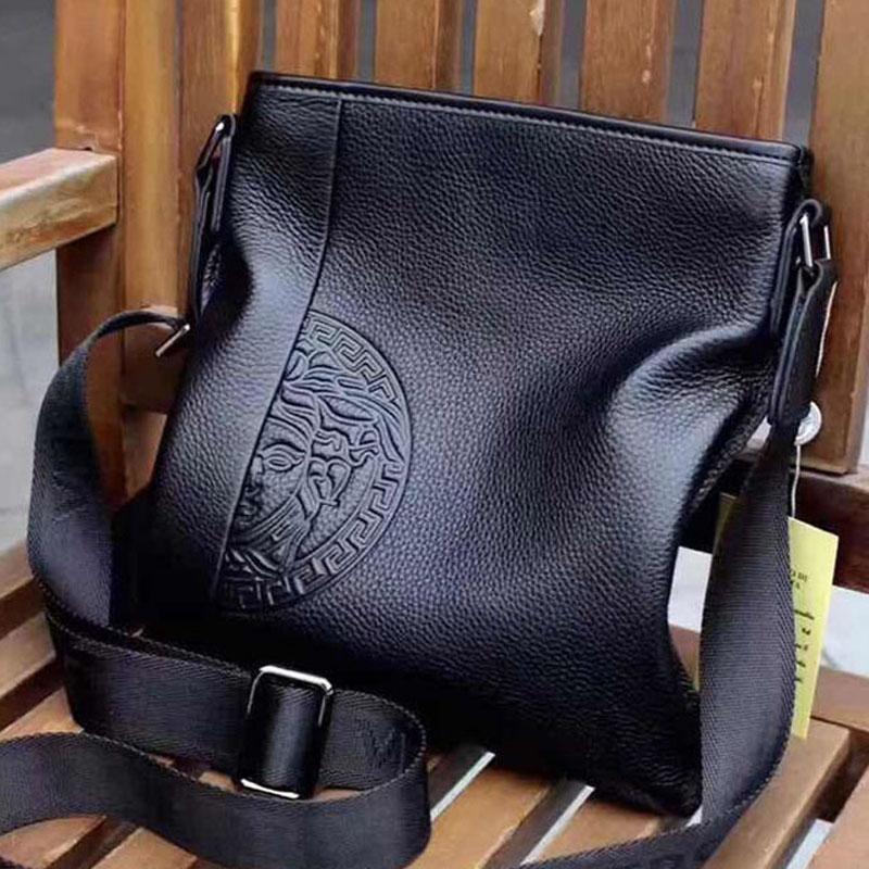 2020 heiße Verkaufsmänner Handtaschenentwerfer Luxuxqualitäts edle Atmosphäre klassische Art und Weise Aktentasche Messenger Bag Gürteltasche N: O0247