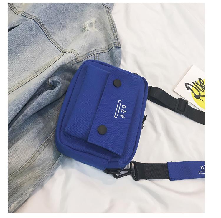 Polyvalent sac en toile Femme 2019 nouvelle version coréenne de sac étudiant Loisirs Crossbody large bande étoile petit noir Sacs B101920Y