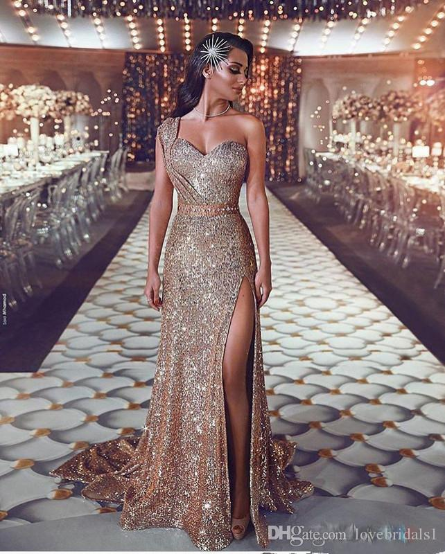 Luxurious Arabic Bling Bling Gold Sequin Evening Dresses with One Shoulder Beaded Sash Prom Dresses Sparkly Formal Party Gowns