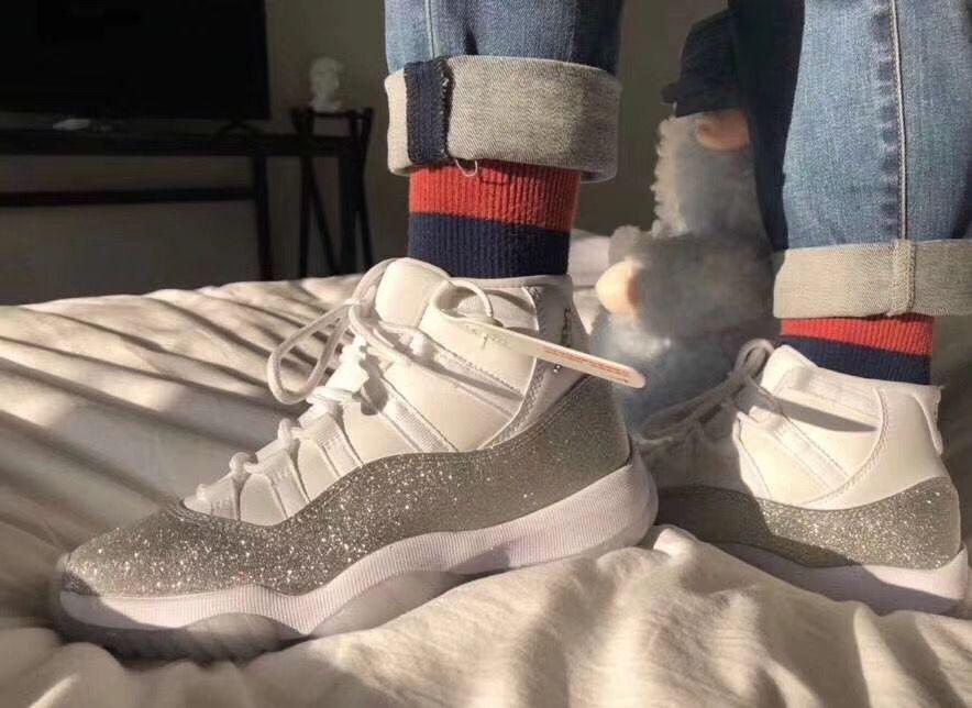 2019 Новой мода роскоши дизайнер мужских женщин Идущих платьев обувь мужчина мокасины красных днищ каблуки кроссовок инструктора спорт Баскетбол Sneaker