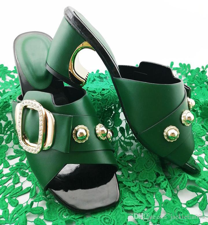 mulheres nova moda sapatos verdes com decoração de metal senhoras sandálias africanas para vestir QS1906, 7cm calcanhar