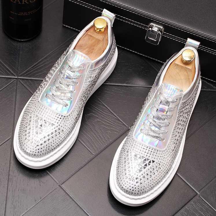 Qualitäts-Art- und Männer hohe Spitze der britischen Art Rrivet Causal Luxus-Schuh-Männer Rot Gold Schwarz Schuhe