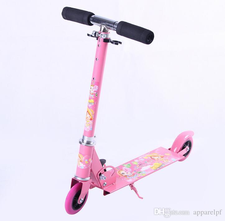 El fabricante tiene un scooter de los niños de dos ruedas. Bicicletas bicicleta simple de dos ruedas de tres velocidades de elevación del niño Correpasillos