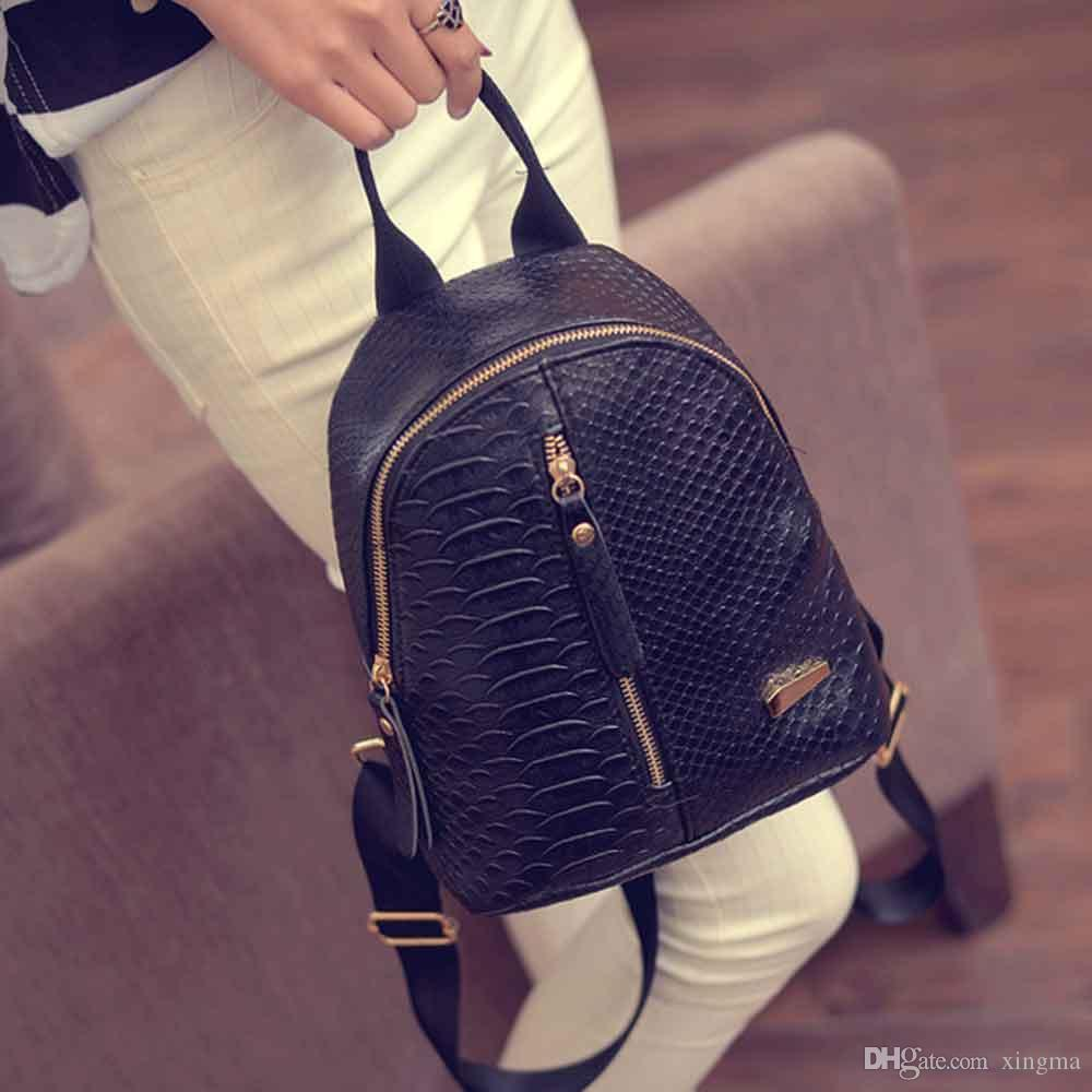 Wholesale- Ulrica Nette koreanische kleine neue Frauen-Beutel Packs Qualität PU-Leder Art und Weise sackt Mini Rucksack Frauen Rucksäcke Back Pack