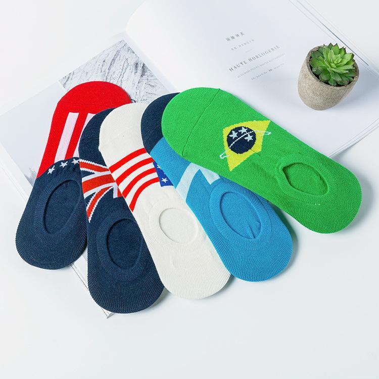 İlkbahar ve yaz yeni görünmeyen erkek çorabı sığ ağız görünmez Silikon kaymaz pamuk teknenin çorap bayrak çorap üreticileri
