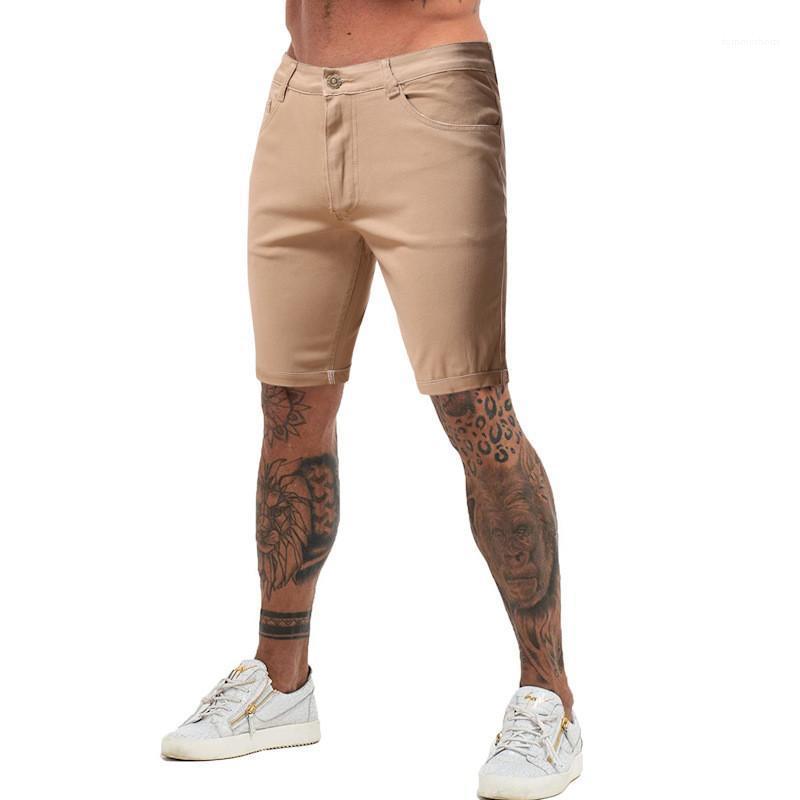 Joelho Shorts 20SS Designer New Mens Vestuário Mens Verão Jean Shorts Casual Cáqui Cor Magro