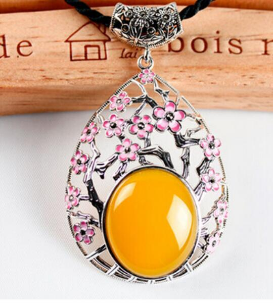 FREE SHIPPING + Orchid chrysanthemum green yellow chalcedony plum hollow large Pendant