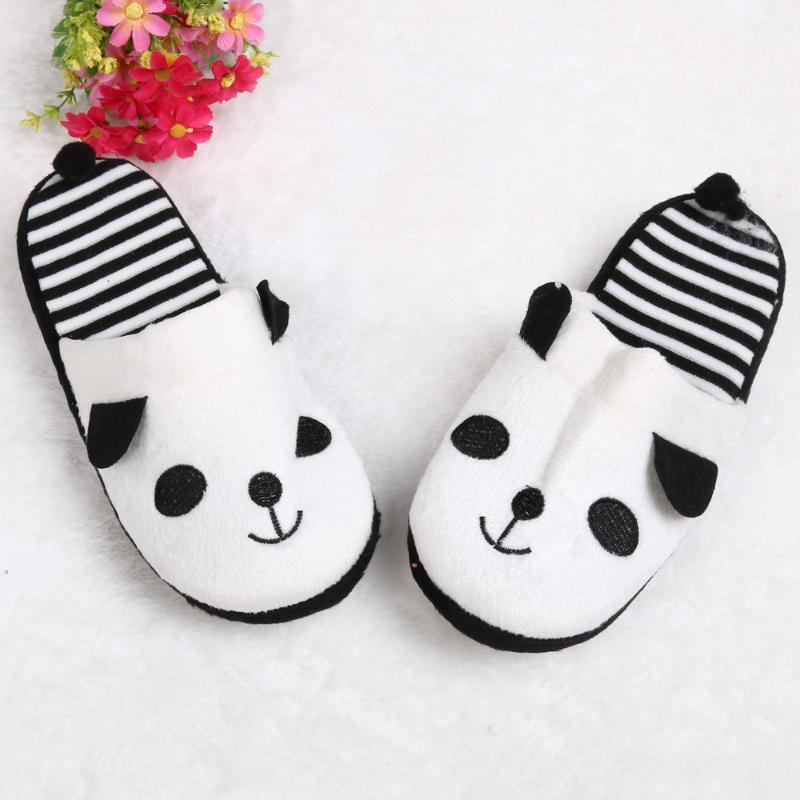 Belle Cartoon Panda Femmes Sport d'hiver chaud Chaussons velours corail Slides intérieur plat souple Chaussons Chaussures Mules Chaussures FN60