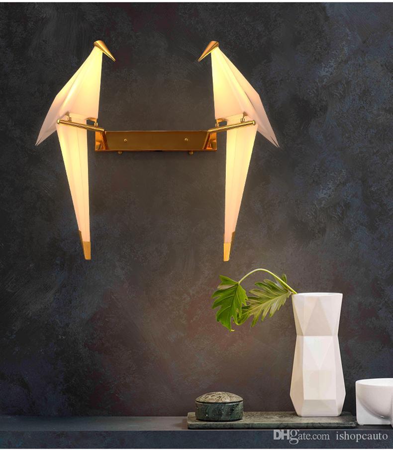Moderne kreative PP Papierkran einzigen Kopf Wandlampe Nordic einfache Beschichtung golden für Schlafzimmer Dekor einstellbar LED warme R59 Beleuchtung