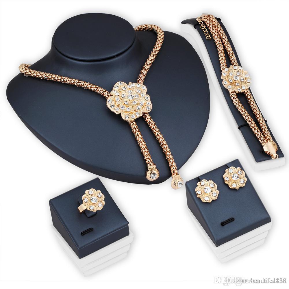 2018 Hohe Markenqualität Vintage Blume Kristall Schmuck Sets Perlen Aussage Halskette / Ohrringe / Ring / Armband Frauen Hochzeit Schmuck