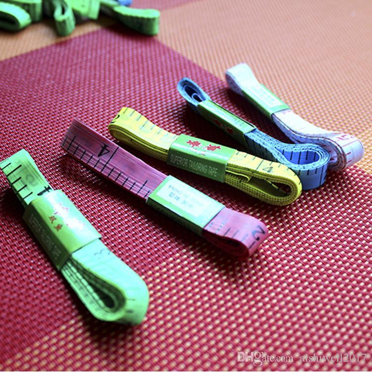 100 pçs / lote Beleza Suave Fita Métrica de Costura Escala Do Corpo de Plástico Macio Régua Escala Ferramentas de Medição de Alfaiate Macio 1.5 M
