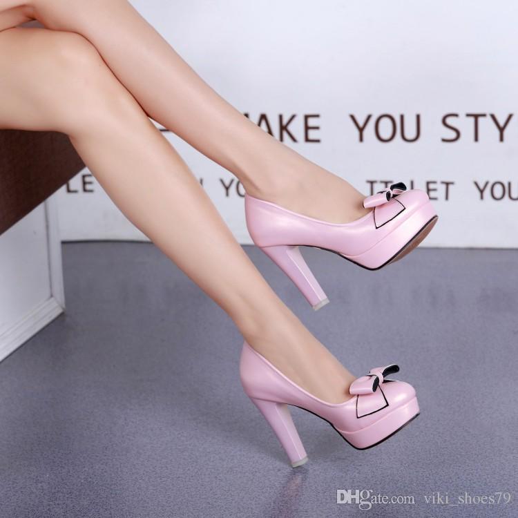 Pompe nuova base all'ingrosso popolare campione libero porcellana scarpe da sposa tacchi alti arco impermeabili scarpe da sposa per le scarpe delle donne