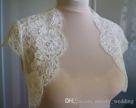 Fildişi Dantel Düğün Şallar Ile Cap Kollu Gelin Bolero Custom Made Düğün Sarar Elbise Cape Için Omuzlarını Silkiyor