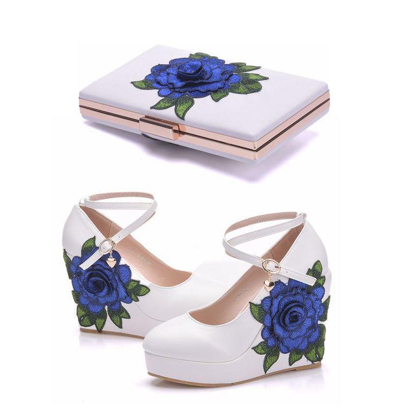 أحذية الكريستال الملكة الأزرق الرباط زهرة العروس إسفين عالية الكعب أحذية فستان الزفاف مع مطابقة حقيبة الأوتاد مضخات مع محفظة