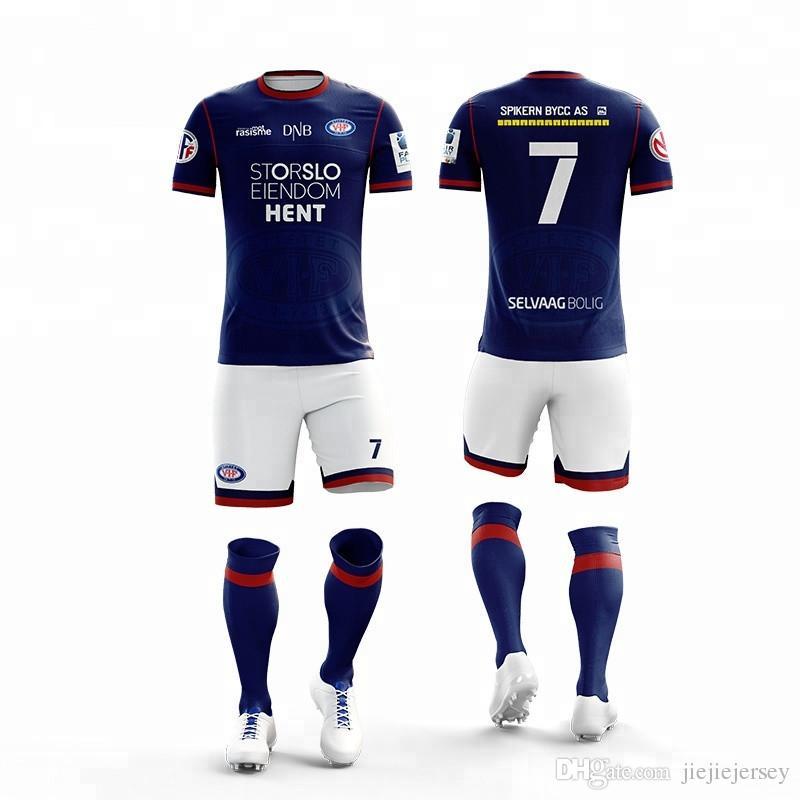 5c9d20f7338 Personalizado equipo de fútbol uniforme práctica camiseta de fútbol  Sublimación personalizada juvenil trajes deportivos Colthes 2019 ...