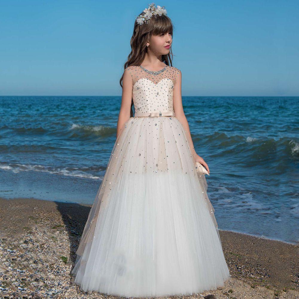 2020 robes de fille de fleur chauds pour les mariages A-ligne Cap manches Tulle cristaux perlés longues robes de première communion petite fille