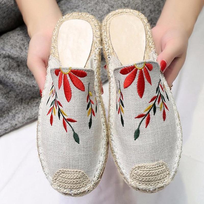2020 Kadınlar Kapalı Nakış Terlik Cane Platformu Yuvarlak Burun Çiçek Slaytlar Casual Katır Bayanlar Ev Ayakkabıları Zapatos De Mujer26cb #
