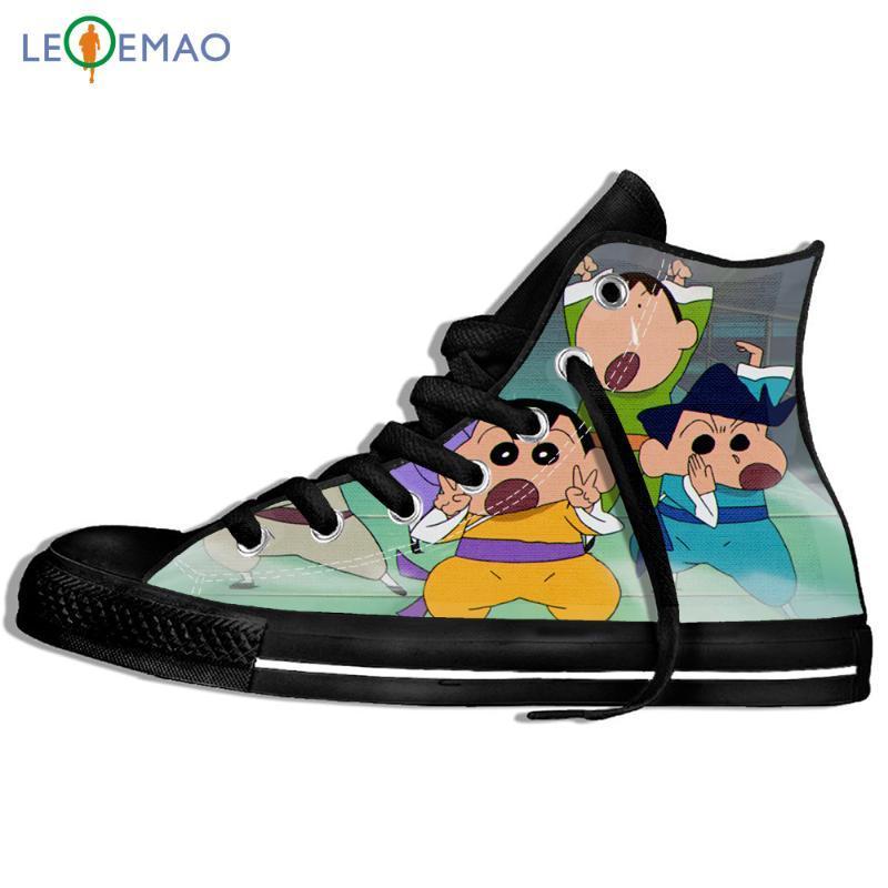 dos homens caminhando Canvas Botas sapatos respirável sapatos bonitos Crayon Shin Chan desenhos animados engraçado Plimsollsable Esporte sapatilhas clássicas