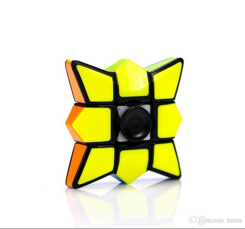 DHL Fidget Spinner Cubi Spinning Magic Cube EDC Anti-stress Rotation Fidget Spinners Decompressione Novità Giocattoli per bambini con scatola al dettaglio