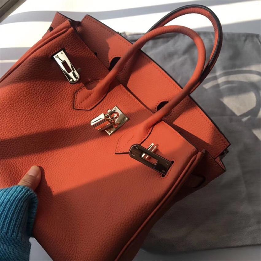 Designer de luxe Hangdbag de haute qualité Sac à bandoulière en cuir de mode Couleurs multiples CFY2003101 #