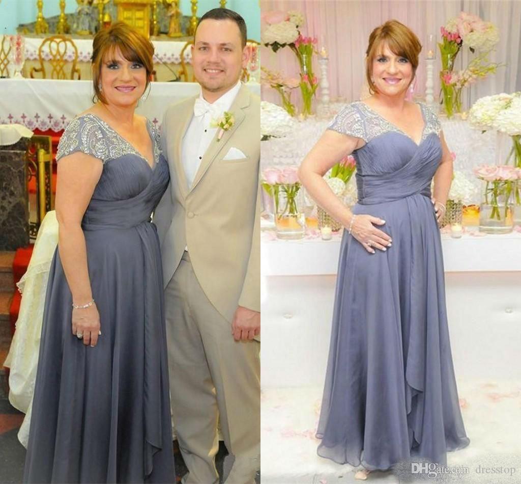Plus Size Mãe da Noiva Vestidos Sheer Sheer Cap Manga Lace Applique Chiffon Até O Chão Mães Wedding Party Evening Vestidos