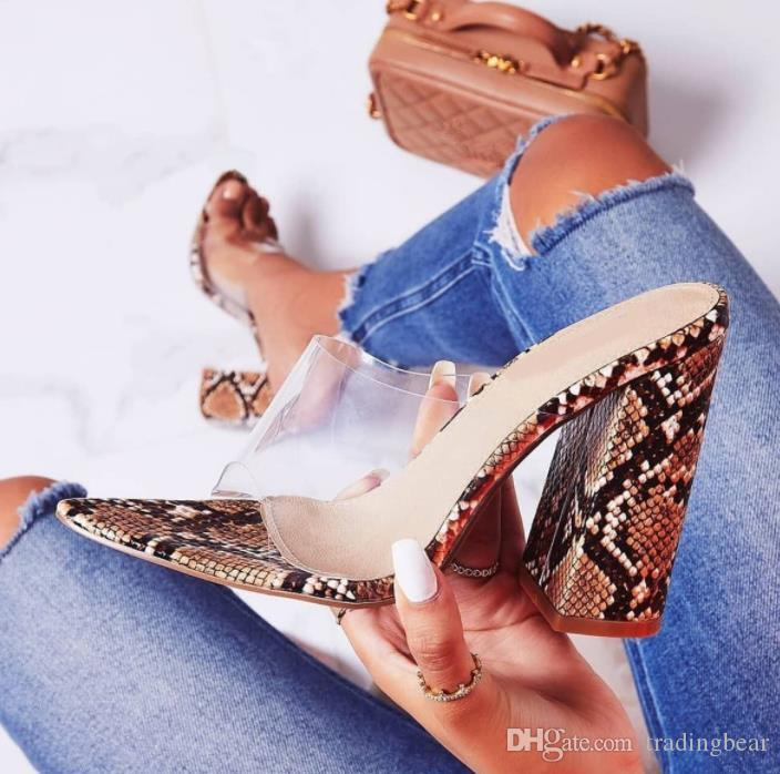 Artı boyutu 35 için 42 kahverengi yılan PVC net blok topuk katır lüks kadın tasarımcı sandalet kutusu ile birlikte gelir yazdırır