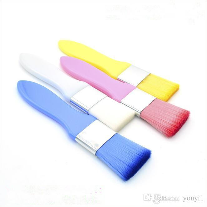 Máscara de cepillo profesional del maquillaje suave de nylon Mango cepillos de plástico blanco de maquillaje compone las Herramientas de 4 colores Epacket envío