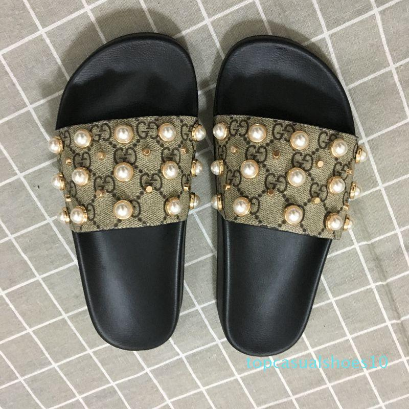 New Arrival Mens and Womens Fashion Causal Designer Sandals with Pearl Effect and Gold Toned Studs Designer Flip Flops t10
