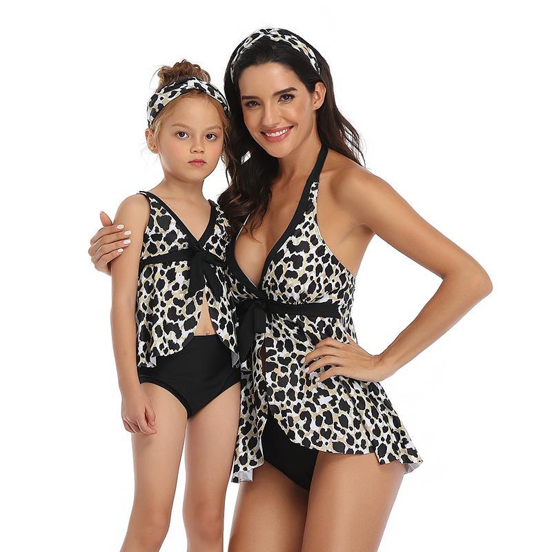 Coincidencia 2020 NUEVO familia del traje de baño atractivo de las mujeres vestido de traje de baño de la borla de la madre Muchacha de la playa Los niños Kid Maillot De Baño Biquinis Mayo