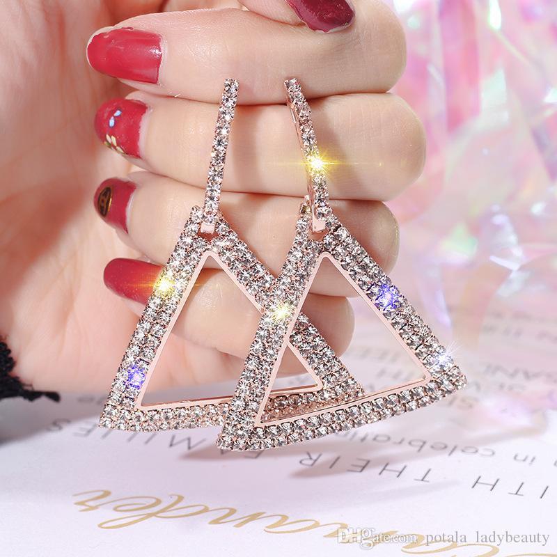 كامل القرط الكريستال الأنيق بلينغ بوتيك هندسي مثلث الجوف مجوهرات الجديد Brincos لامعة الكلاسيكية حجر الراين المرأة بيجو فام هدية
