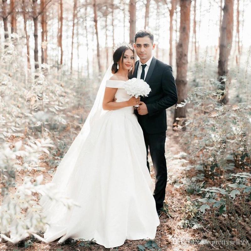 Пользовательские на плечах с короткими рукавами Страна Свадебные платья 2020 Обовывают поезд Сатин Samle a Line Свадебные свадебные платья